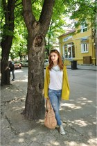 yellow Zara cardigan - blue denim jeans - off white Converse sneakers