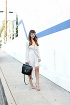 white skater Boohoo dress - white white Ivivision sunglasses