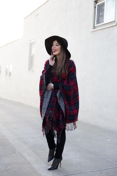 red blanket scarf Macys scarf - black jeans denizen jeans
