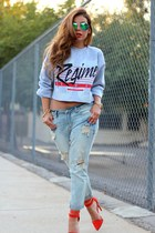 heather gray civil clothing sweater - light blue daily look jeans