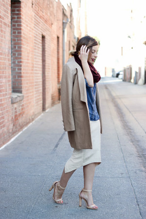 tan tailored Lioness coat - sky blue denim shirt Bella Dahl shirt
