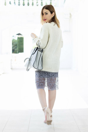 heather gray Hale Bob skirt - off white knit oversized Vans sweater