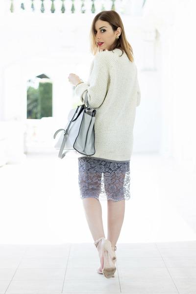heather gray Hale Bob skirt - off white knit oversized Vans sweater