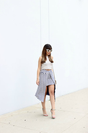 navy chevron print Asos skirt - white white Prism sunglasses