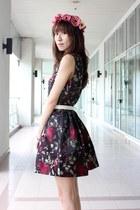 black Guess heels - crimson Mood & Closet dress - white Mood & Closet belt
