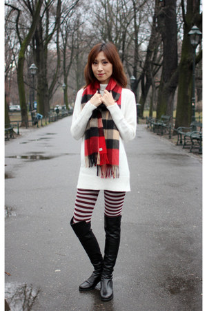 white H&M top - black stuart weitzman boots - crimson Uniqlo leggings