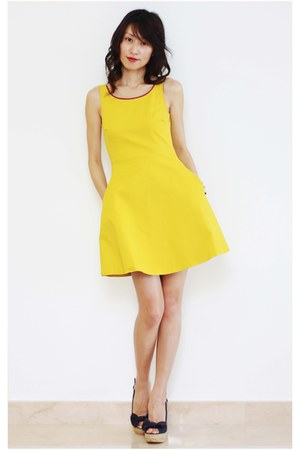 yellow Zara dress - amethyst Steve Madden wedges
