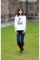 white Uniqlo sweater - knee high stuart weitzman boots