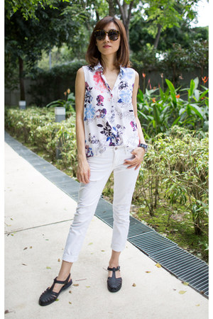 silk Club Monaco top - Melissa shoes - white boyfriend Gap jeans