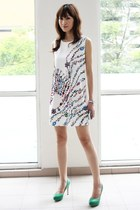 white Mood & Closet dress - green Mood & Closet heels