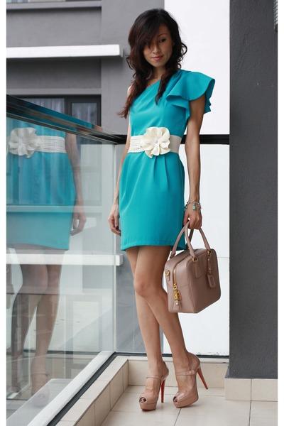 Turquoise Blue Mood \u0026amp; Closet Dresses, Eggshell Prada Bags ...