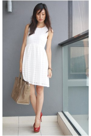 white lace white Zara dress - camel boston leather Celine bag