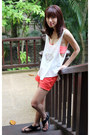 Carrot-orange-lucky-brand-shorts-black-dkny-sandals-white-doodlings-top