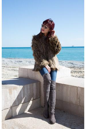 dark khaki faux fur Lovers  Friends coat - over the knee stuart weitzman boots