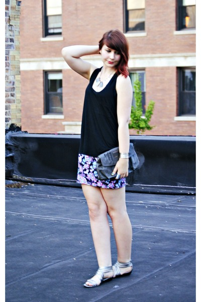 floral print skirt - black tank top - sandals