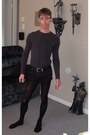 Aldo-boots-tights-tristan-t-shirt