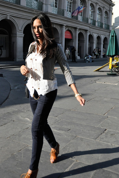 navy Urban Outfitters blazer - black longchamp purse - navy Zara pants - white H