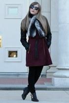 black Forever 21 boots - crimson Guess coat