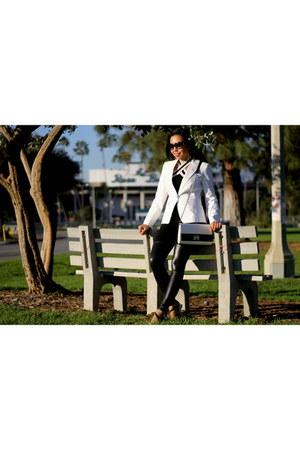 black Akira leggings - white banana republic blazer - white calvin klein bag