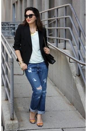boyfriend Urban Outfitters jeans - double-breasted Zara blazer - 255 Chanel bag