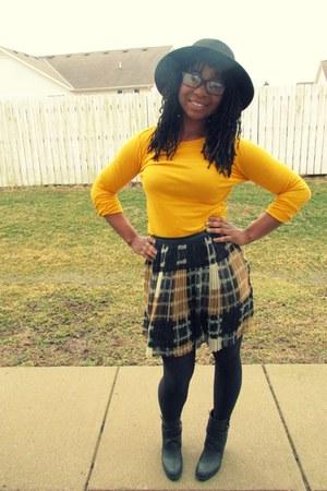 tan Forever 21 skirt
