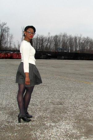 thrifted skirt - Moda International sweater - franco sarto heels