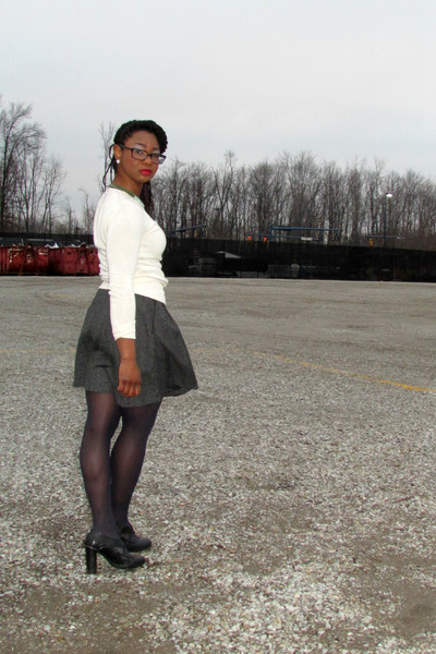 thrifted skirt - Moda International sweater - franco sarto heels