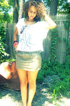 white Forever 21 shirt - green Forever 21 shirt - yellow American Eagle bracelet
