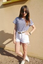 black clubmaster Ray Ban sunglasses - white denim Levis shorts
