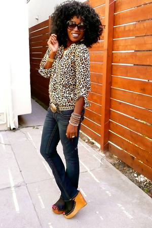 camel H&M leopard print shirt - navy True Religion jeans