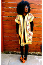 Light-yellow-vintage-from-ebay-scarf-navy-urban-outfitters-jeans