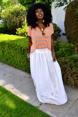 carrot orange Stripe t-shirt - white maxi skirt