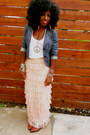 Blue-denim-blazer-white-cotton-t-shirt-nude-tulle-maxi-skirt