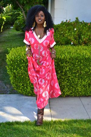 brown biker boots - hot pink Calypso st barth dress