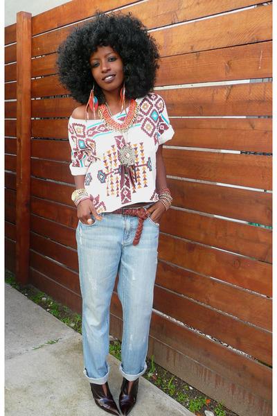 light blue boyfriend jeans - off white Tribal blouse