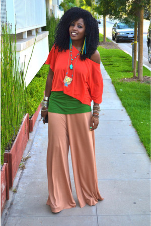 red H&amp;M Crop blouse - forest green Silk t-shirt - nude diy H&amp;M Flared pants