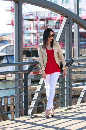 white skinny Fade to Blue jeans - beige leather Mackage jacket