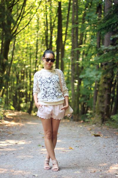 off white crochet H&M sweatshirt - light pink leather shopper Zara bag