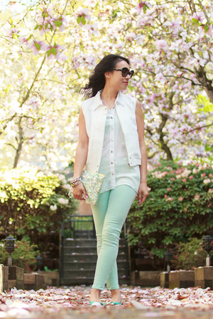 white sleeveless HRH Collection blouse - aquamarine skinny Zara jeans