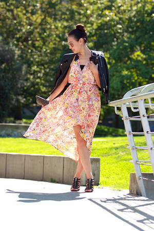 peach floral print ami clubwear dress - black leather H&M jacket