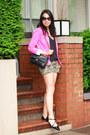 Hot-pink-zara-blazer-black-chanel-bag-olive-green-camouflage-old-navy-shorts