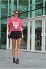 Hot-pink-printed-new-look-t-shirt