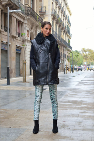 black suede Zara boots - green reptile SANDRO pants