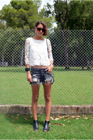 crop top lace Zara blouse - H&M shorts