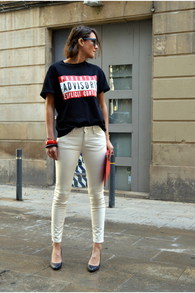 red clutch Zara bag - black H&M t-shirt