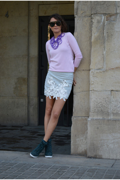 silver mini Zara skirt - periwinkle Zara top - purple statement Topshop necklace