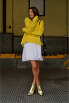 yellow furry H&M sweater