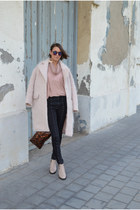 light pink H&M coat - black skinny jeans weekday jeans