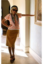 velvet thrifted vintage skirt - INC shoes - beret Forever 21 hat
