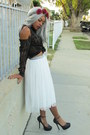 Black-blouse-white-mesh-skirt